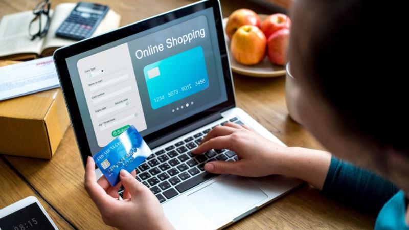 6 Tips Bertransaksi Aman & Nyaman dengan Kartu Kredit